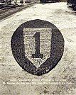 Todo pessoal da Divisão 1, formaram um Insignia Vida - Fotógrafo desconhecido - 1940