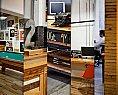 Design de interior para escritório com trabalhado em madeira